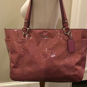 Beautiful condition coach tote!